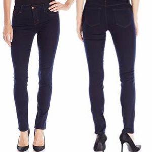 J Brand 811 Skinny Jeans in Ink